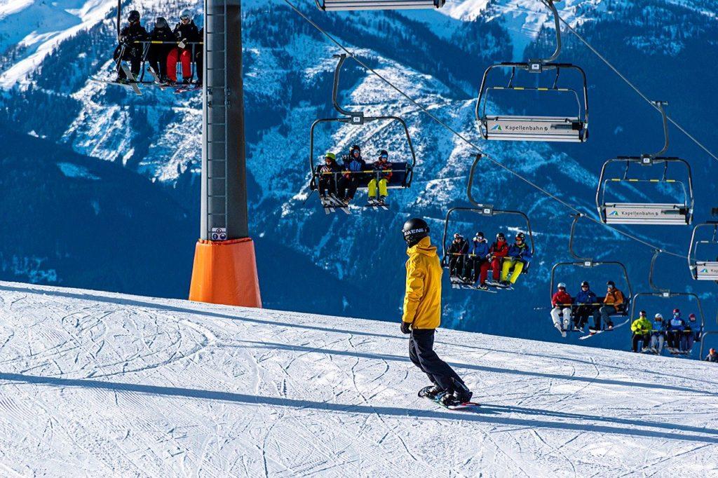 snowboarding 4763731 1280