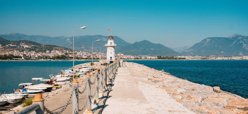 Условия въезда в Турцию с 15.03.2021 _lighthouse-port-turkey-alanya-turkey