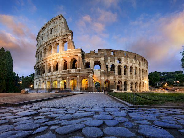 Green Passв Италии_colosseum rome dusk