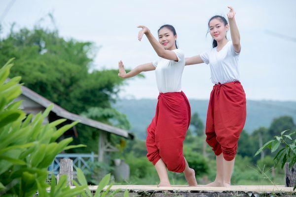 Таиланд откроется для туристов с 1 ноября _thai young lady art culture thailand dancing thailand